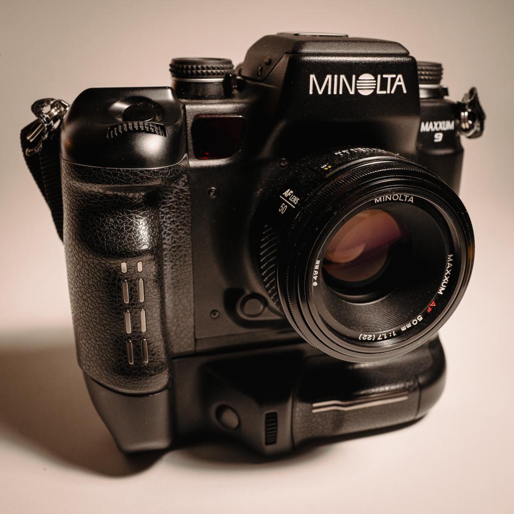 Minolta Maxxum 9
